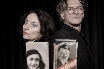 Annes Kampf, Anne Frank vs. Adolf Hitler